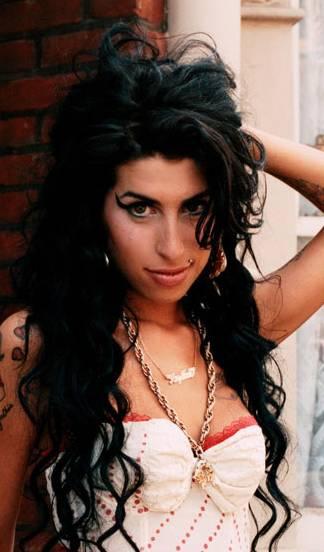 Amy Winehouse prepara nuevo álbum para Navidad